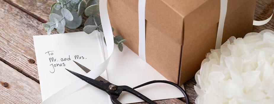 Fest, kort och presentförpackning