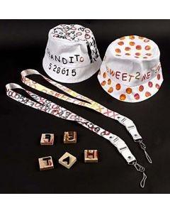 Solhattar och nyckelband med textiltryck