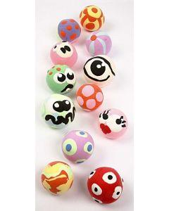 Tillverka bollar av Silk Clay