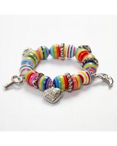 Armband med charms