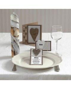 Inbjudning och kort med hjärta i bark och halvpärlor