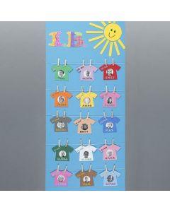 Plansch med namn och bilder på 'nytvättade tröjor'
