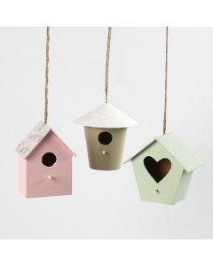 Fågelhus till dekoration, dekoreras med designpapper och färg