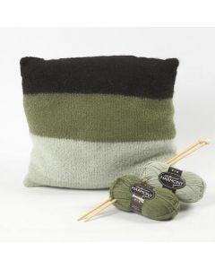 Stickad och valkad kudde av mjuk Melbourne ull