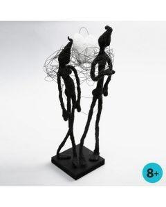 Skulptur av spoltråd, målartejp och Foam Clay