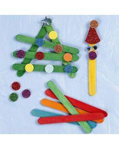 Julfigurer av färgade glasspinnar