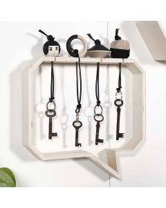 """Nyckelringar av trä och """"nyckelskåp"""""""