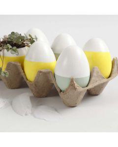 Målade ägg och ägg som vi planterat i.