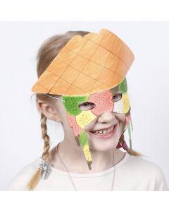 Mask av kartong, målad med tuschpennor.