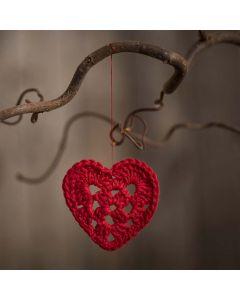 Litet virkat hjärta i bomullsgarn