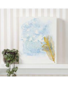 Målarduk med tryck målas med akvarellfärg och vatten i sprayflaska.