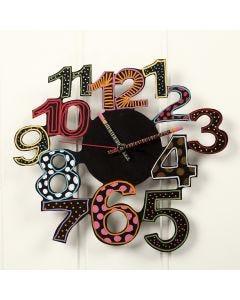 Klocka dekorerad med hobbyfärg