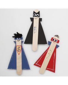 Superhjältar av långa glasspinnar av trä