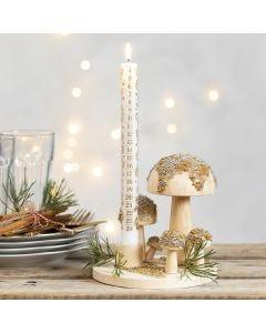 Ljusstakar med svampar dekorerade med miniglaskulor