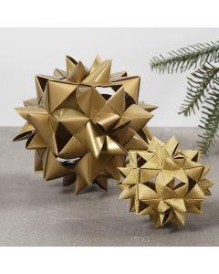 Stor flätad julstjärna av 24 stjärnstrimlor