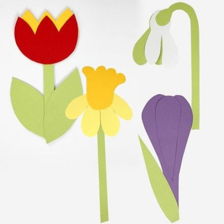 Blommor av kartong efter flexibel schablon
