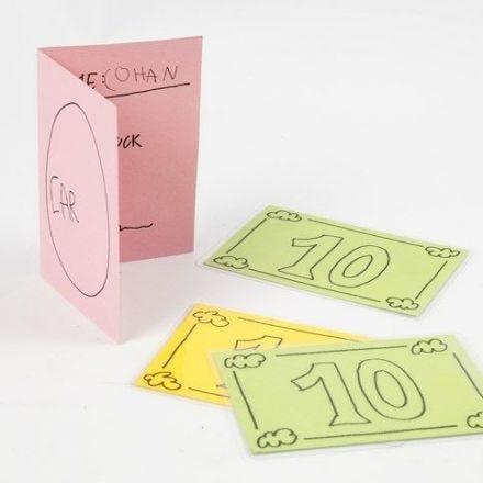 Leksakspengar och körkort