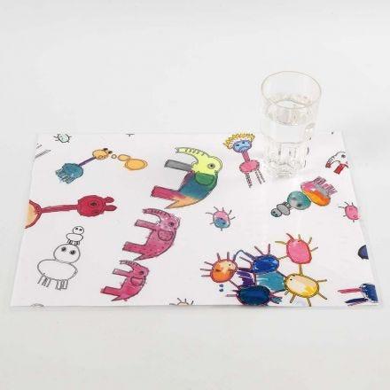 Bordstabletter av tyg med färglagda motiv