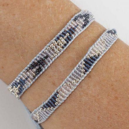 Armband vävd av rocaipärlor