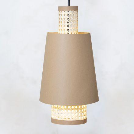 Gör en lampskärm av läderpapper och rörflätat