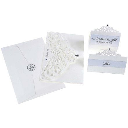 Inbjudning, placeringskort/bordskort och bordsdekorationer med pärlemorslyster och utskärningar.