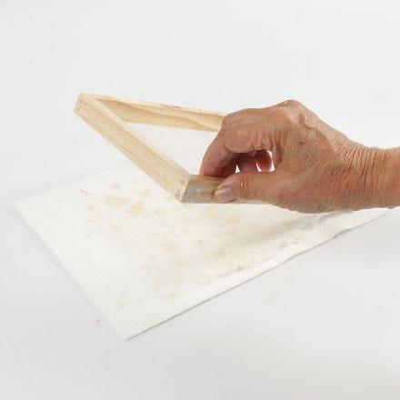 Sådan laver man håndlavet papir med glimmer