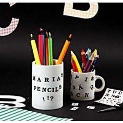 Porslinskopp med bokstäver i Color Dekor