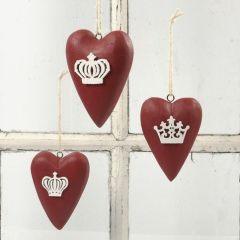 Målade trähjärtan