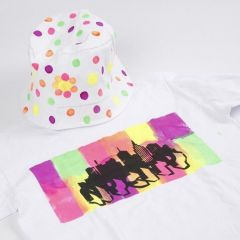 T-shirt, dekorerad med Neon textilfärg