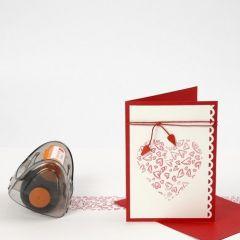 Duk och kort med stämplade hjärtan