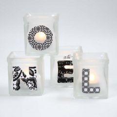 Ljusglas med frostad effekt och textdecoupage