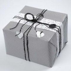 Paketinslagning från Vivi Gade Design, Paris, med lacksigill