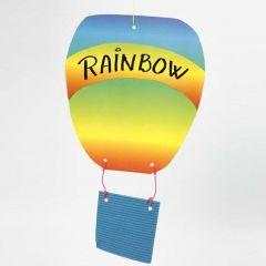 Luftballong av wellpapp och regnbågspapper