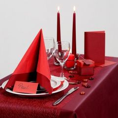 Inspiration till fest med röd dukning