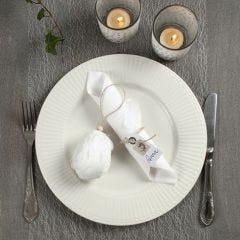 Duka ditt påskbord i naturfärger och vitt