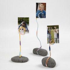 Fotohållare av Stone Clay, alutråd och blomstertejp