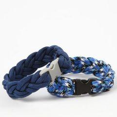 Flätat armband av knytsnöre med klicklås