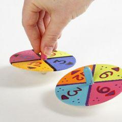 Leksakssnurra, dekorerad med färger och siffror