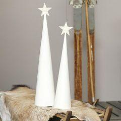 Julgran av vitmålad strut med glittrig toppstjärna