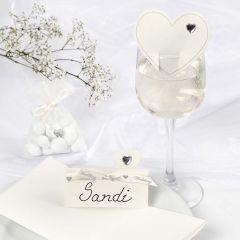 Romantiska vita dekorationer till bröllop