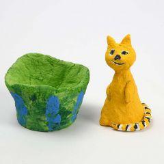 Katt av frigolit, klädd med pulp