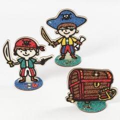 Pirater och skattkista i trä, dekorerad med Foam Clay
