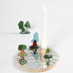 Ljusstake dekorerad med mosaik