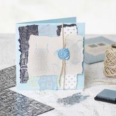 Kort med handgjorda papper, stämplar och sigill.