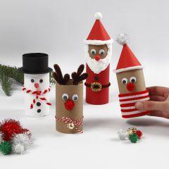 Julfigurer av papprör med dekorationer