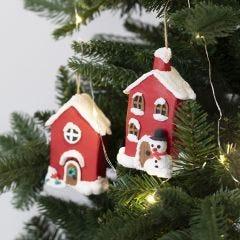 Julhus av papp dekorerad med Foam Clay