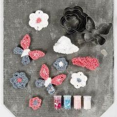 Hängande dekorationer av Foam Clay large med kakformar