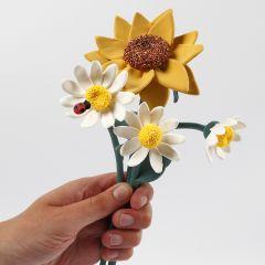 Solros och marguerit blommor gjorda av Silk Clay