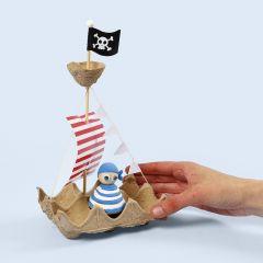 Piratskepp av äggkartong