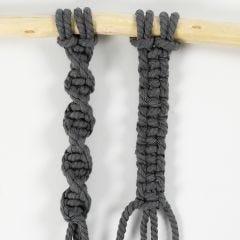 Så här knyter du enkel- och dubbelknut (Half and Square Knot)
